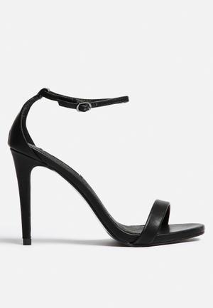 Steve Madden Stecy Heels Black