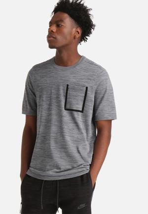Nike Tech Knit Pocket Tee T-Shirts Grey