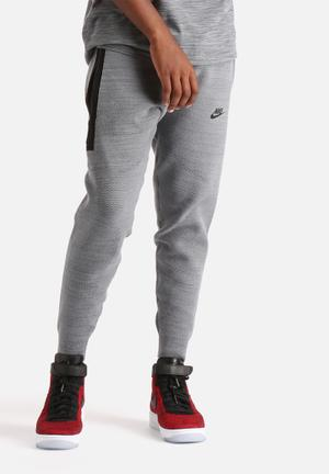 Nike Tech Knit Libero Pant Sweatpants & Shorts Grey