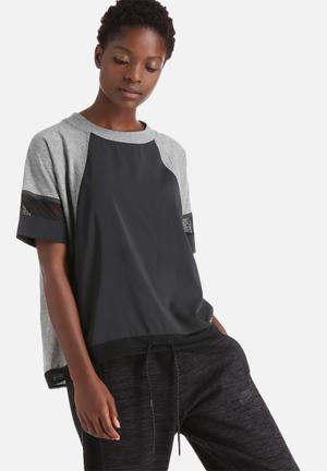 Nike Bonded Tee T-Shirts Black & Grey