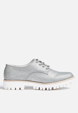 Vero Moda Emilie Shoe Pumps & Flats Silver