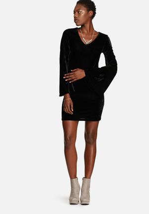 Glamorous Velvet Dress Casual Black