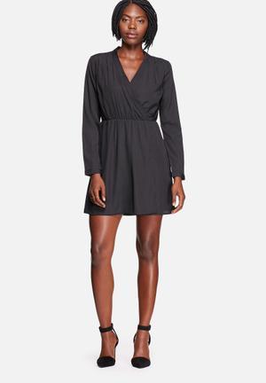 Vero Moda Sophia Plain Wrap Tea Dress Casual Black