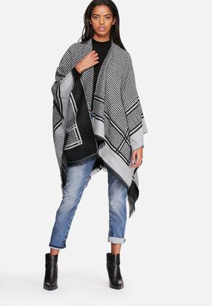 ONLY Salome Weaved Cape Scarves Black