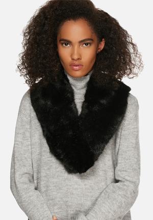 Range Milan Collar Scarves Black