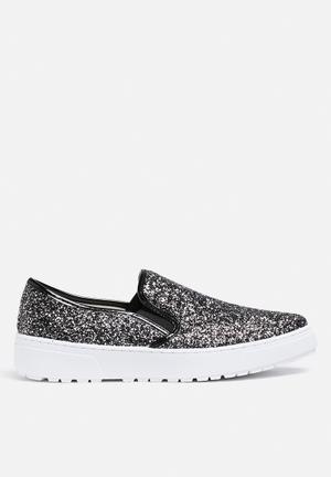 Liliana Laura Sneakers Black