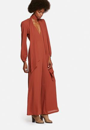 Glamorous Bell Sleeve Jumpsuit With Tie Rust