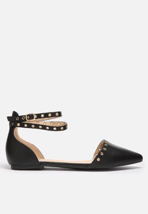 Liliana Tobbi Pumps & Flats Black