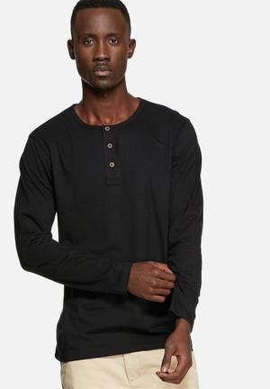 Basicthread Henley Tee T-Shirts & Vests Black