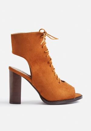 Billini Myra Boots Tan