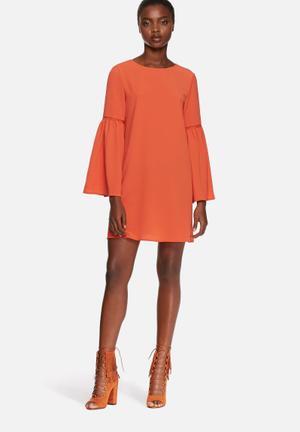 Glamorous Bell Sleeve Dress Casual Orange