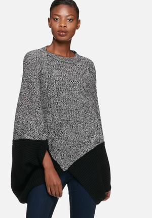 Vero Moda Proud Knit Poncho Knitwear Black