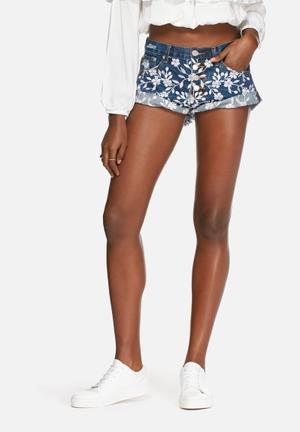Glamorous Embroidered Shorts Blue