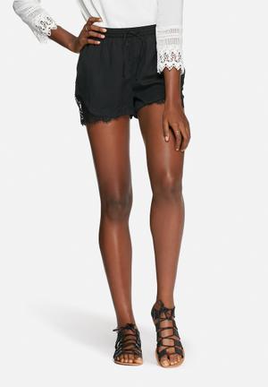 Vero Moda Monsoon Shorts Black
