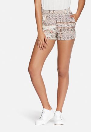 ONLY Nova Deluxe Shorts Beige, Black & Pink