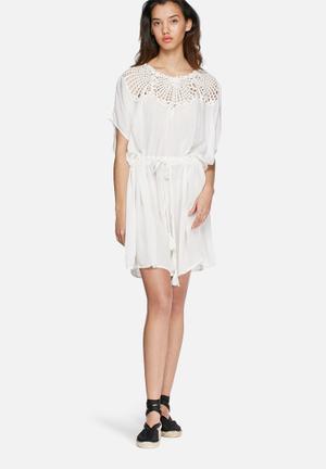 VILA Bodoir Tunic Dress Casual White