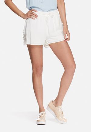 VILA Jenal Shorts Cream