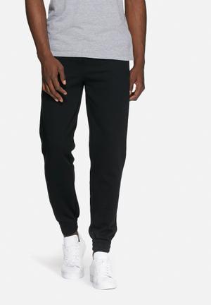 Basicthread Regular Sweat Pants Sweatpants & Shorts Black