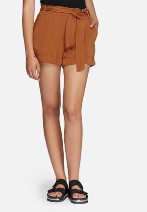Vero Moda Mexi Shorts Tan