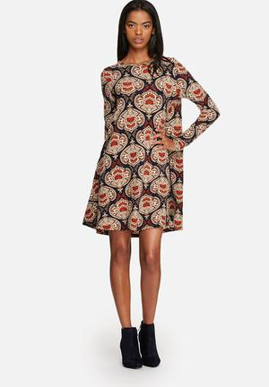 Glamorous Paisley Swing Dress Casual Orange / Navy / Cream