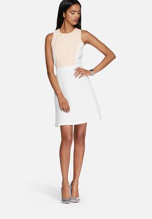 Vero Moda Kardashian Dress Occasion White & Peach