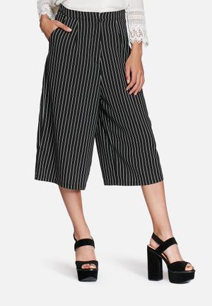 Glamorous Pinstripe Culottes Shorts Black & White