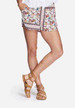 Glamorous Floral Shorts  White / Multi