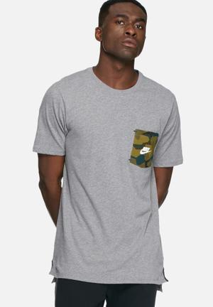Nike Drop Hem T-shirt Grey