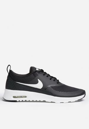 Nike Air Max Thea Sneakers Black / Summit White