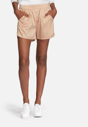 VILA Centri Shorts Peach