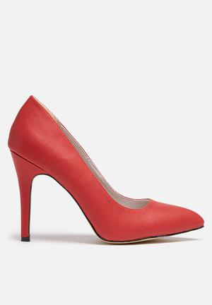 Gino Paoli Pointed Court Heels Red