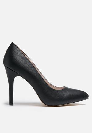 Gino Paoli  Pointed Court Heels Black