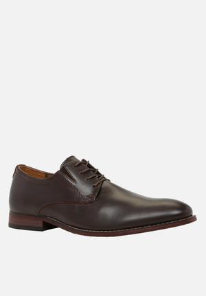 Call It Spring Polizzello Formal Shoes Brown