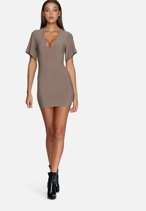 Missguided V-neck Plunge Dress Casual Brown