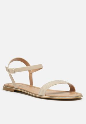Call It Spring Gwelawen Sandals & Flip Flops Nude