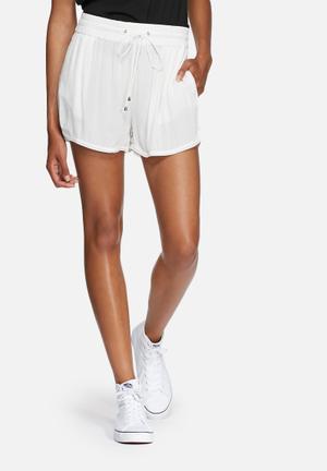 Vero Moda Sofia Shorts White