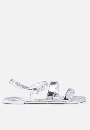 Steve Madden Haidee Sandals & Flip Flops Silver
