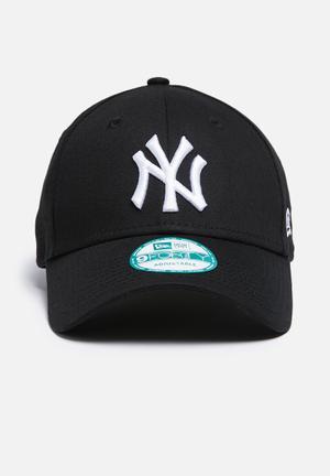 New Era 9Forty NY Yankees Headwear Black