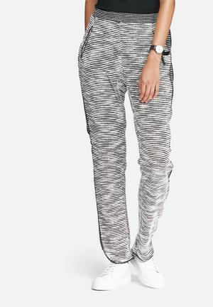 Vero Moda Minna Sweat Pants Bottoms Black & White