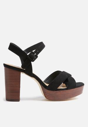 Madison® Britt Heels Black