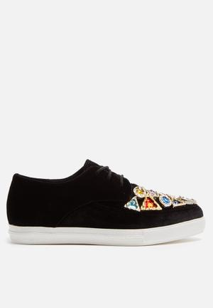 Jeffrey Campbell Fav Jewel Pumps & Flats Black