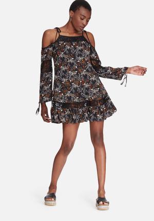 Glamorous Floral Cold Shoulder Dress Formal Black