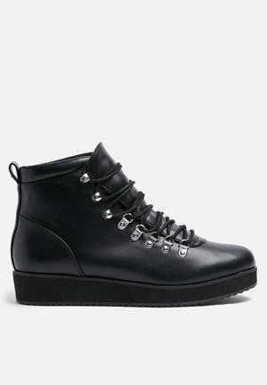 ONLY Brea Bootie Black