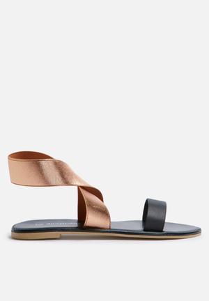 Dailyfriday Mandisa Sandals & Flip Flops Black & Rose Gold