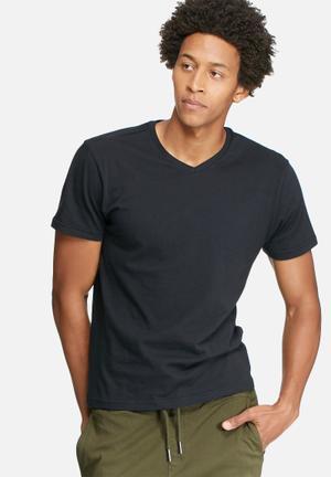 Basicthread Basic V Neck Tee T-Shirts & Vests Black