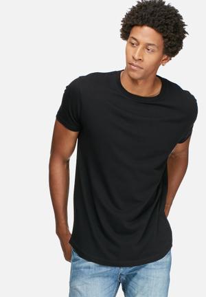 Basicthread Curved Hem Longline Tee T-Shirts & Vests Black