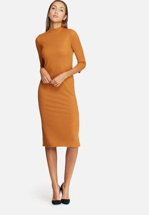 VILA Jersey 3/4 Sleeve Dress Casual Tan