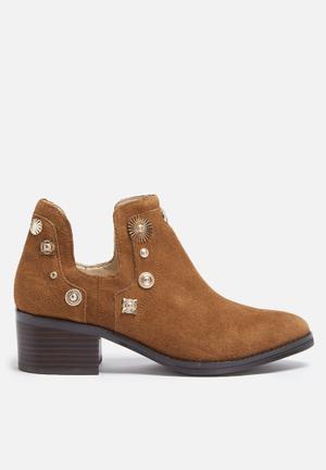 E8 By Miista Octavia Boots Cognac