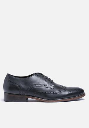 Tiven leather brogue