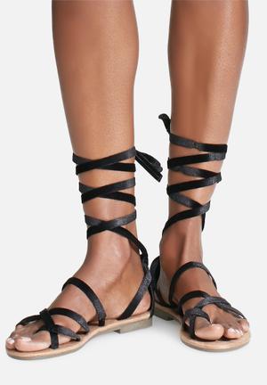 Zoom Lily Sandals & Flip Flops Black